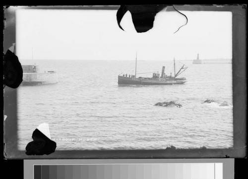 52 fishing boat entering harbour