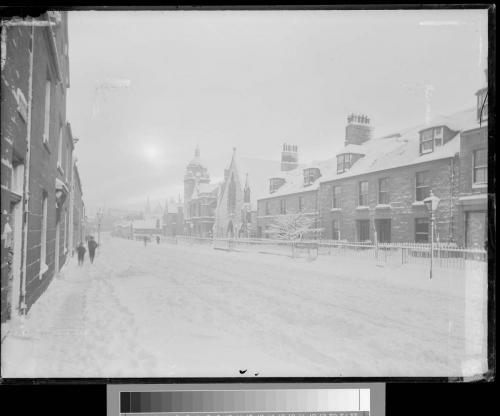 03 queen street snow